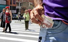 cual fue el aumento en colombia para los pensionados en el 2016 salario mínimo en colombia para 2015 será de 644 350