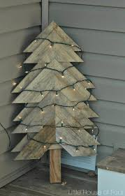 christmas tree pallet 12 fabulous pallet christmas trees you can make yourself crafts