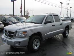 dodge dakota crew cab 4x4 for sale 2008 dodge dakota slt crew cab 4x4 in bright silver metallic