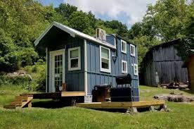 tennessee house take a peek inside this adorable tennessee tiny house