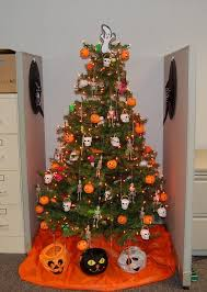 Halloween Ghost Decorations For Trees by Halloween Tree Decoration Halloween Outside Decoration Ideas