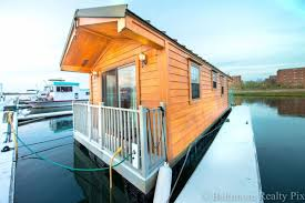 Zillow Brooklyn Ny by Live On An Adorable Houseboat Docked In Queens For Just 59 000