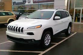 dark gray jeep cherokee chart of the day here u0027s what the jeep cherokee is up against in
