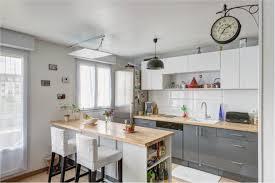 cuisine avec bar pour manger cuisine avec bar pour manger élégantune cuisine moderne avec des