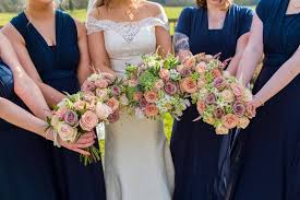 wedding flowers lewis and lewis beautiful wedding orchardleigh house flowers