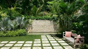 Large Tropical Modern Garden Highland Landscaping Home - Home and garden designs