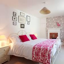 bedroom wallpaper decorating ideas red online