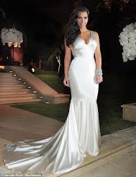 chagne wedding dresses costume change newlywed dons dress number two as