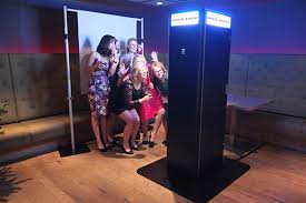 open air photo booth how to the photo booth for your party wedding or