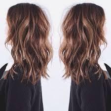 haircut ahould 35 wavy medium length layered hairstyles 2018 hairstyle guru