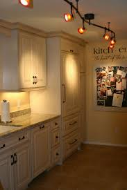 Light Kitchen Cabinets by 477 Best Kitchen Makeover Images On Pinterest Home Kitchen And Diy