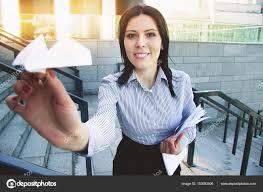 femme de bureau emmène moi loin de bureau portrait de femme d affaires attrayant et