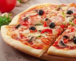 cuisiner une pizza recette pizza jambon chignons et sauce tomate facile rapide