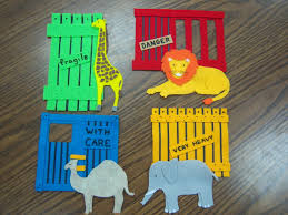 how to make dear zoo felt pieces to practice retelling adjectives