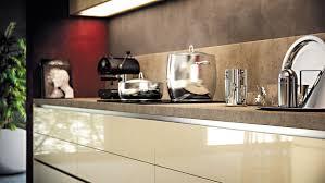 cuisine sans poignee lovely poignee de porte meuble de cuisine 4 sans poign233e inoxy