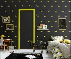 frise pour chambre peinture chambre enfant avec frise et boiseries jaune