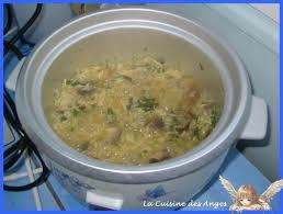 cuisiner avec un rice cooker recette de riz et de chignons au rice cooker cooker and rice