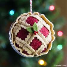 betz white clever felt pie ornament using jar as