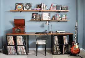 Steel Pipe Shelving by Diy Desktop And Industrial Pipe Shelves