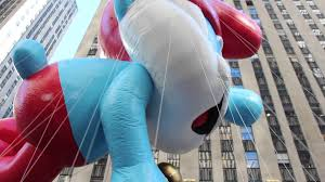 fotos thanksgiving the smurfs macy u0027s thanksgiving day parade 2013 youtube
