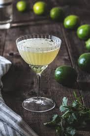 green apple martini recipe green chile cocktail recipe by honestlyyum