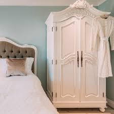Shabby Chic Bedroom Furniture Bedroom Bedroom Furniture Using Corner White Chic Wardrobe