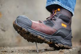 Most Comfortable Work Shoes For Standing On Concrete How To Pick The Best Work Boots For Your Job Magnum Boots