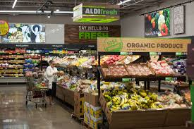 aldi and lidl take supermarket battle to the u s bloomberg