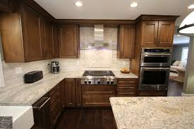 are wood kitchen cabinets still in style are brown or kitchen cabinets coming back into style