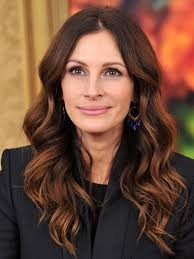 pictures of short hair do s back dise and front views a ranked list of julia roberts best and worst hair color moments