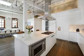 hotte ilot cuisine ilot central avec images avec ilot central avec evier bar cuisine