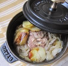 cuisine familiale rapide ce ragoût d agneau irlandais est cuit au four en cocotte très