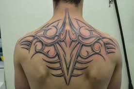 ornament tribal on back by zakknoir