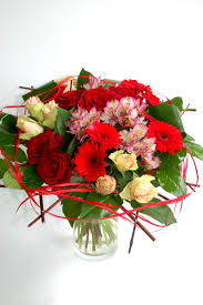 big bouquet of roses big bouquet of roses gerberas and alstromeria lillepidu