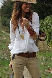 so cute white shirt with beige pants and hat fashion style