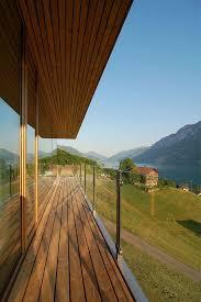 holzbelag balkon balkongeländer balkon holzbelag verlegen ideen balkon