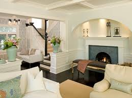 living room traditional design chandelier vaulted ceiling