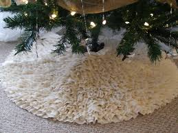 simply chic treasures my ruffled tree skirt