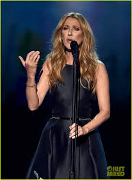 celine dion performs touching tribute to paris at amas 2015 video