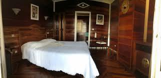 chambre en bois chambre cilaos ile de la réunion le bois