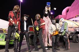 chainsaw halloween the halloween act too scary for vegas u2014 almost toronto star