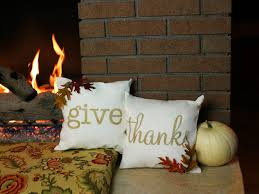 how to create thanksgiving throw pillows diy