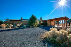 how to enjoy a life of tranquility in a modern central oregon home