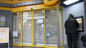 bureau de poste lorient barricadé à la poste il est délogé par la