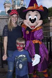 get in the halloween spirit reese witherspoon and son tennessee get into the halloween spirit