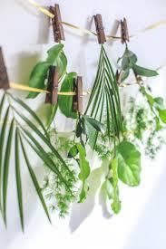 diy pantone green garland eccodomani