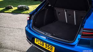 porsche trunk 2017 porsche macan s diesel uk spec trunk hd wallpaper 24