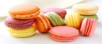 cours de cuisine macarons what is the difference between macarons and macaroons how do you