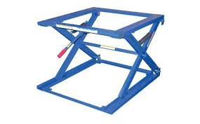 Pallet Lift Table by Beacon World Class Pallet Lift Table Pallet Stand