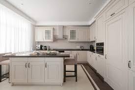 armoire de cuisine thermoplastique ou polyester les matériaux d armoires de cuisine groupe sp réno urbaine